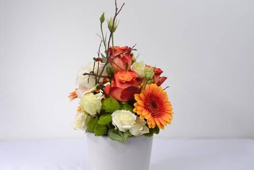 Germini, rose, lisianthus,santini